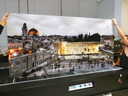 הכותל - תמונת זכוכית אומנותית של ירושלים לתלייה במשרד דגם F15 photo review
